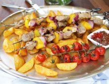 Špízy s fíkovým čatní a karamelizovanými kaštany